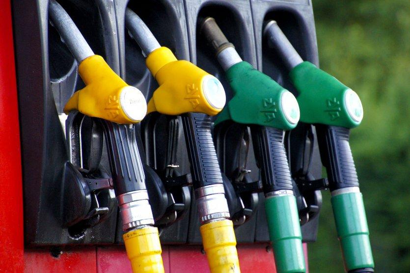 Alles Super in Europa? Einheitliche Kennzeichnung für Kraftstoffe