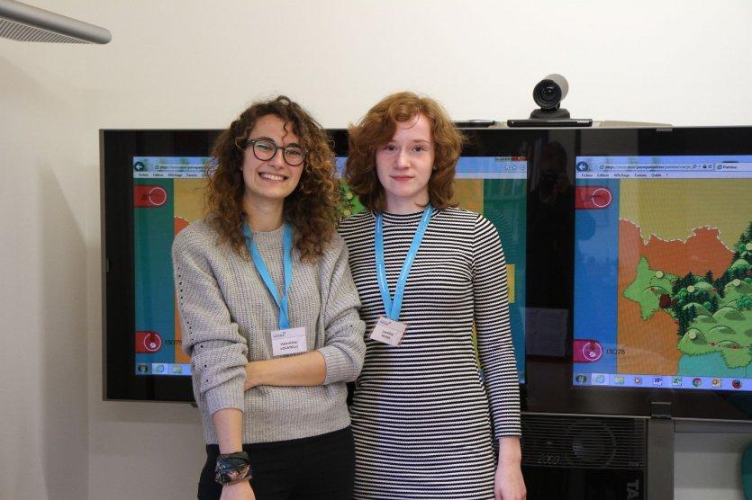 Promotion du Passe-Partout par les deux volontaires Valentina et Laetitia